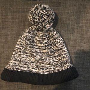 lululemon black and white winter hat